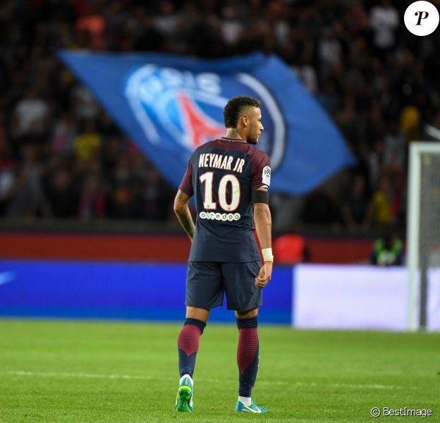 Neymar Jr. - Match de Ligue 1, Paris Saint-Germain (PSG) vs Toulouse FC (TFC) au Parc des Princes à Paris, France, le 20 août 2017. Le PSG a gagné 6-2. © Lionel Urman/Bestimage  French First League soccer match, Paris Saint-Germain (PSG) Vs Toulouce FC (TFC) at Parc des Princes stadium in Paris, France, on August 20th, 2017. PSG won 6-2.20/08/2017 - Paris