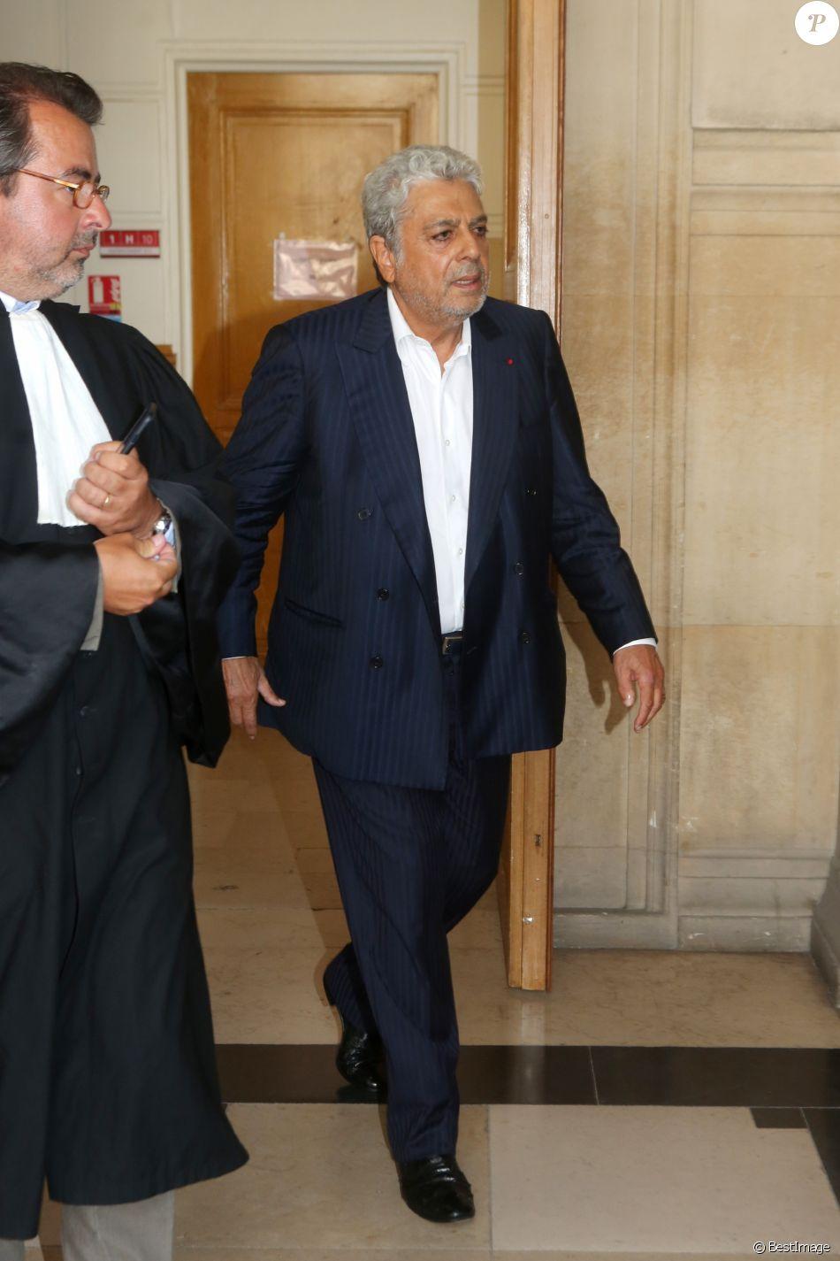 Semi exclusif - Enrico Macias arrive à la 11ème chambre du tribunal correctionnel pour le verdict de son affaire d'escroquerie d'emprunts hypothécaires auprès de la banque islandaiseLandsbanki Luxembourg le 28 août 2017.