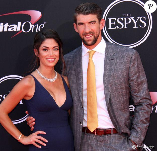 """Michael Phelps et sa femme Nicole Johnson à la soirée des """"ESPYS Awards"""" au Microsoft Theatre à Los Angeles, le 12 juillet 2017. © AdMedia via Zuma Press/Bestimage"""