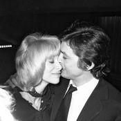 """Alain Delon serait resté avec Mireille Darc """"si elle avait pu devenir maman"""""""