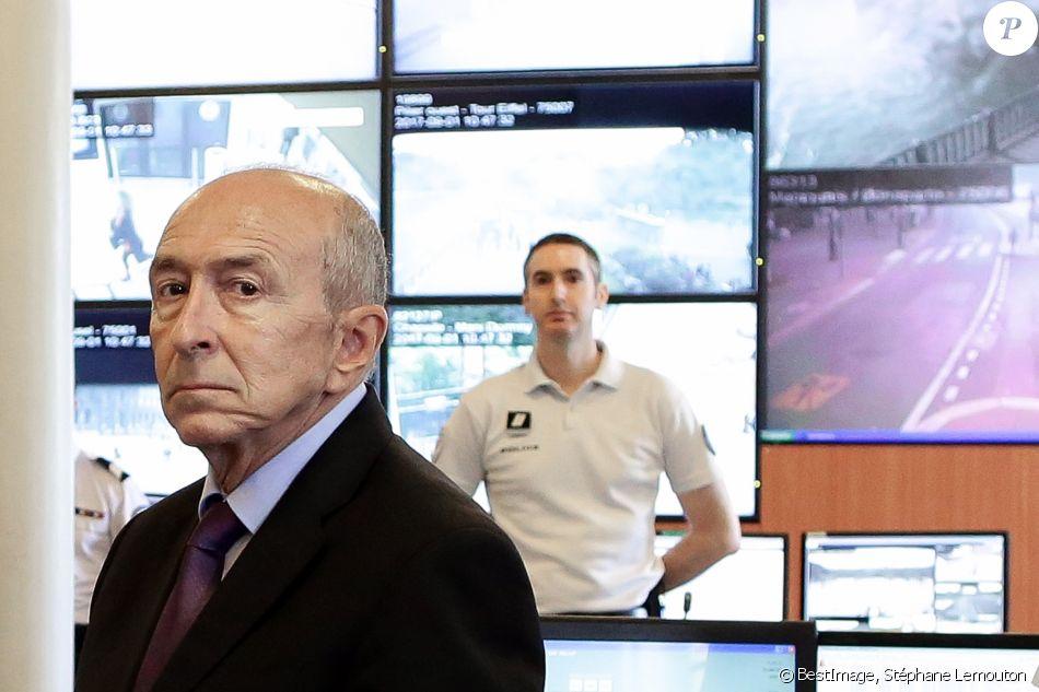 Le ministre de l\'Intérieur Gérard Collomb visite la salle d ...