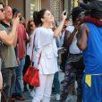 Selena Gomez va à la rencontre des ses fans pendant sa séance de shopping à New York, le 4 septembre 2017