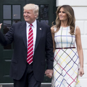 Melania Trump : Sa robe fait tache, Donald se ridiculise...