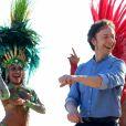 """Exclusif - Stéphane Bern et Edouard Baer tournent l'émission """"Soir de fête"""" pour France 2 sur la plage de Ipanema pour célébrer le Carnaval de Rio de Janeiro au Brésil pendant cinq jours, le 26 février 2017."""