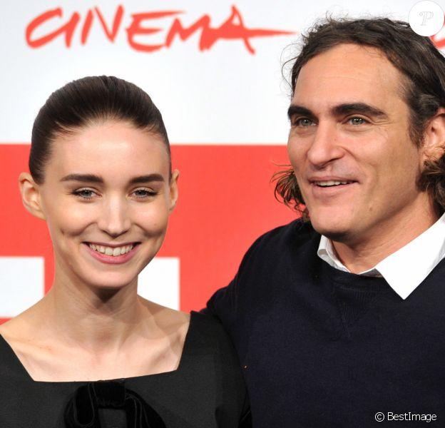 "Rooney Mara, Joaquin Phoenix - Photocall du film ""Her"" lors du 8eme festival international du film de Rome, le 10 Novembre 2013."