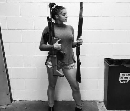 Ariel Winter : Pro-armes à feu, la jeune femme a désormais sa licence !