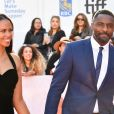 """Idris Elba et sa nouvelle compagne Sabrina Dhowre à la première de ""The Mountain Between Us"" au Toronto International Film Festival 2017 (TIFF), le 10 septembre 2017. © Igor Vidyashev via Zuma Press/Bestimage"""