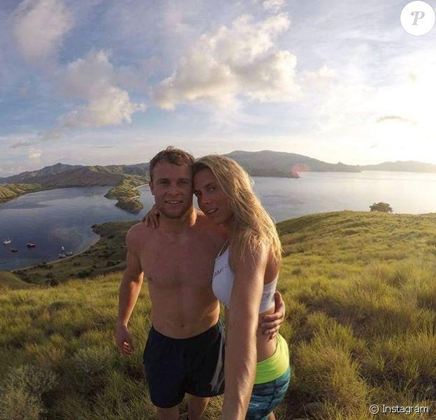 Alexis Pinturault et sa compagne Romane Faraut en Indonésie en avril 2017, photo Instagram. Le couple s'est marié le 9 septembre 2017 à Saint-Jean-Cap-Ferrat.