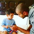 Photo de Tony Parker et son fils Josh, partagée sur les réseaux sociaux en juin 2016.