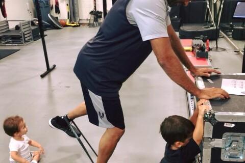 Tony Parker : Ses fils Josh et Liam, sportifs, l'aident à retrouver la forme