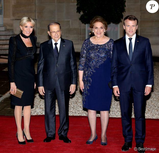 Le président du Liban Michel Aoun et sa femme Nadia Aoun, Emmanuel Macron et sa femme Brigitte Macron (robe, chaussures et sac Elie Saab) - Dîner d'Etat au Palais de l'Elysée en l'honneur de M. Aoun, Président de la République Libanaise, à Paris, le 25 septembre 2017. © Stéphane Lemouton/Bestimage