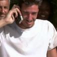 """Marvyn téléphone à ses proches - """"Koh-Lanta Fidji"""" sur TF1. Le 29 septembre 2017."""