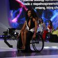 """Election de """"Miss Wheelchair World 2017"""" à Varsovie. La 1ère édition de cette compétition invite """"à changer l'image des femmes en fauteuil roulant"""". 24 jeunes femmes de 19 pays, ont concouru pour décrocher le titre de Miss Monde en fauteuil roulant. La Bélarusse Alexandra Chichikova a été couronnée. Varsovie, le 7 octobre 2017."""