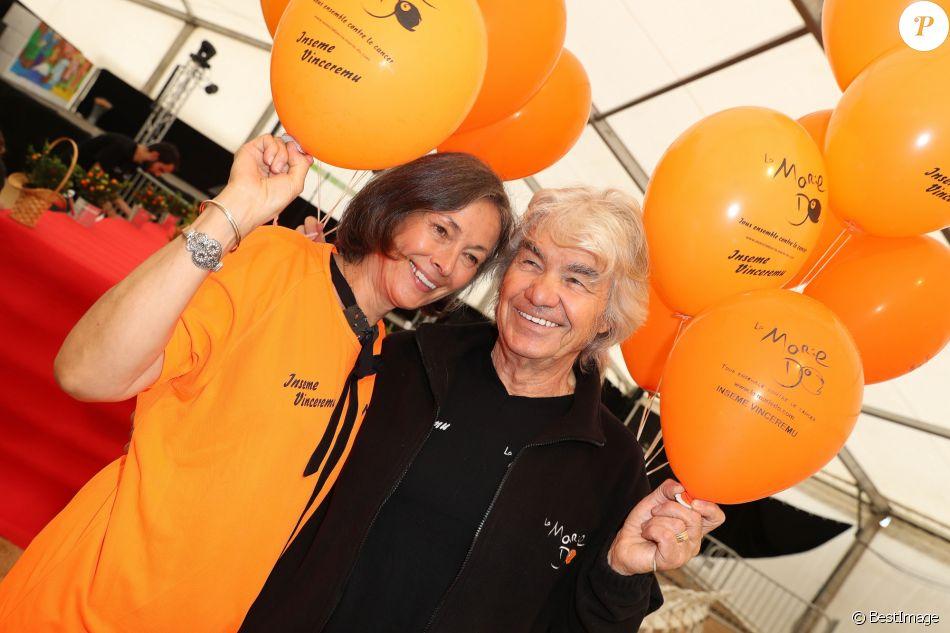 Exclusif - Daniel Guichard (Parrain de la 11ème édition des Journées de la Marie-Do) pose avec sa femme Christine Guichard pendant Marie-Do à Ajaccio, le 1er octobre 2017.
