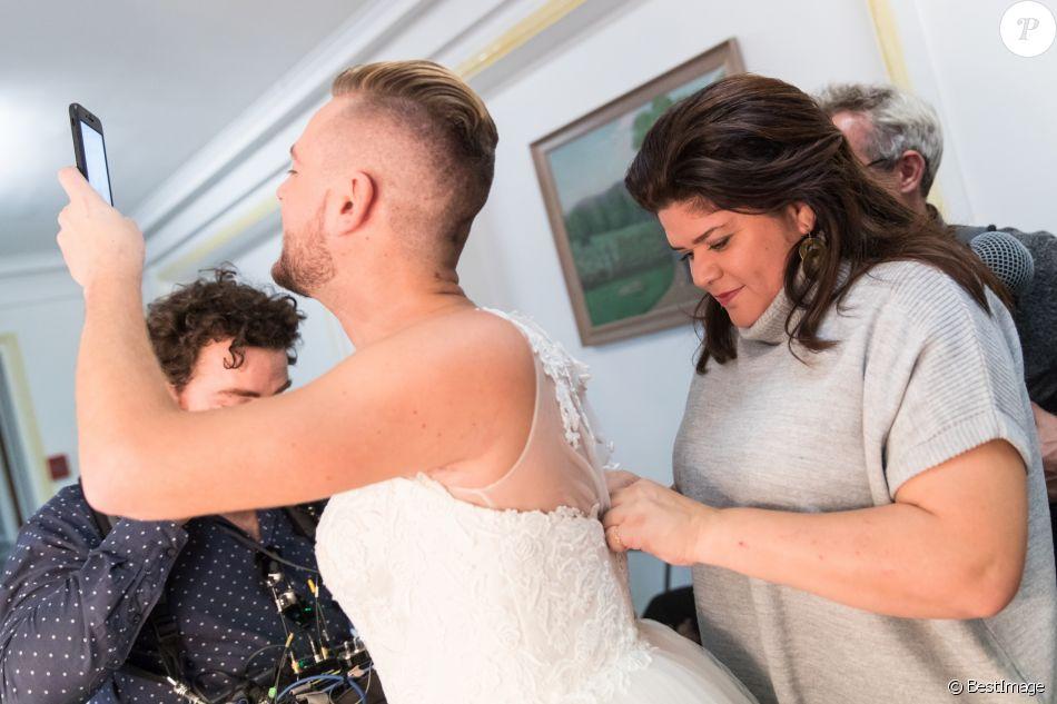 Exclusif , Jeremstar, Raquel Garrido , Le blogeur Jeremstar (Jérémy Gisclon  ) se marie avec lui même à la mairie du 1er arrondissement de Paris le 9  octobre
