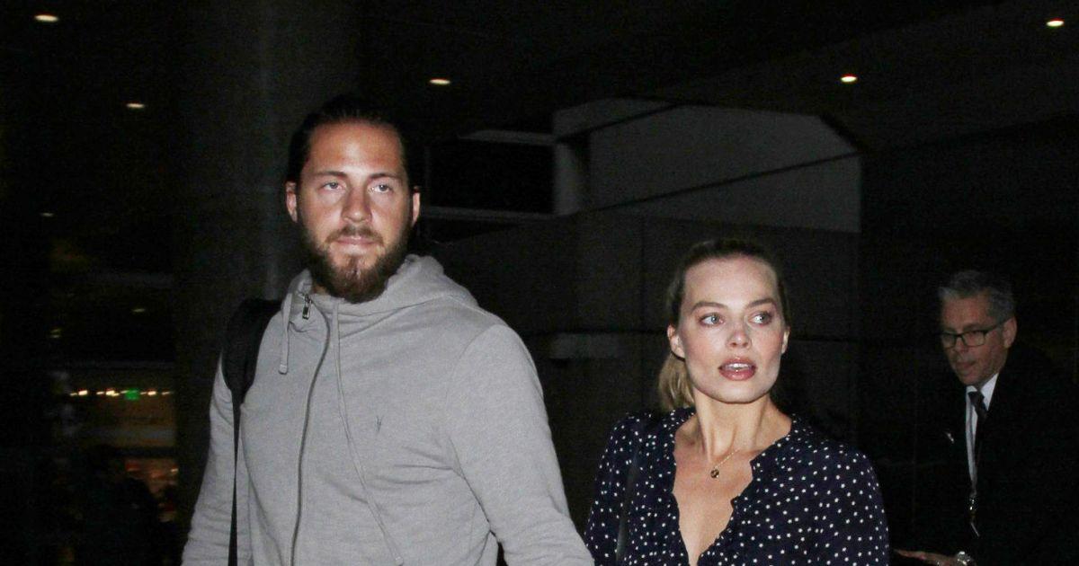 Margot robbie et son mari tom ackerley arrivent l 39 a roport de lax los angeles le 2 janvier - Charlotte de turckheim et son mari ...
