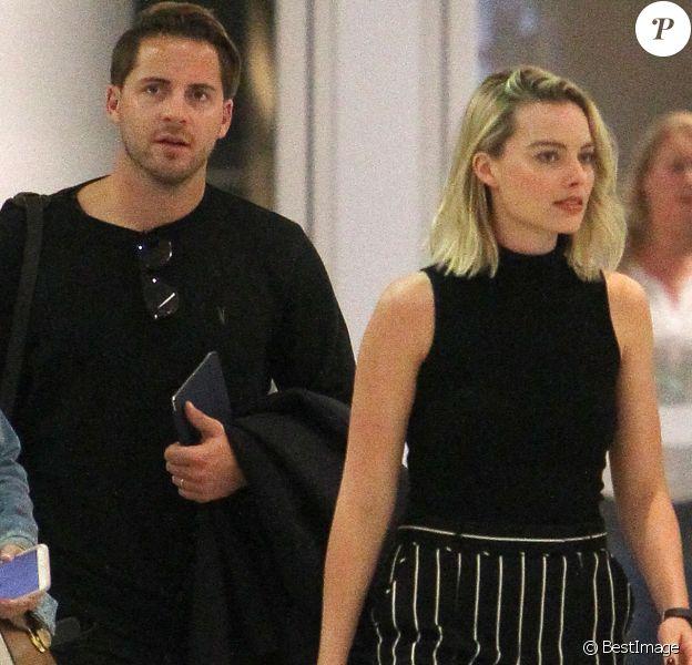 Exclusif - Margot Robbie et son mari Tom Ackerley arrivent à l'aéroport JFK de New York le 8 octobre 2017