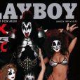 Gene Simmons en couverture de Playboy, mars 1999.