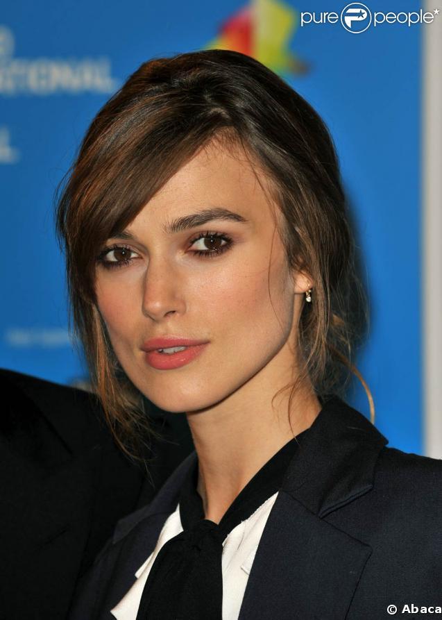 La comédienne anglaise de 23 ans Keira Knightley, qui a commencé par être le sosie de Natalie Portman dans Star Wars, est aujourd'hui l'une des égéries de Chanel