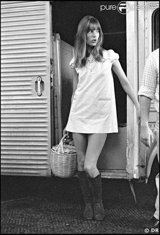 Pour la fille de Jane Birkin et du réalisateur Jacques Doillon, Lou Doillon, la similarité physique est tellement frappante qu'elle était faite pour jouer Jane dans le biopic de Serge Gainsbourg prochainement sur les écrans.