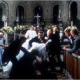 Bande-annonce du film Quatre mariages et un enterrement (1994)