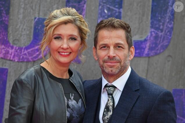 """Zack Snyder et sa femme Deborah Snyder lors de la première du film """"Suicide Squad"""" à Londres, le 3 août 2016."""