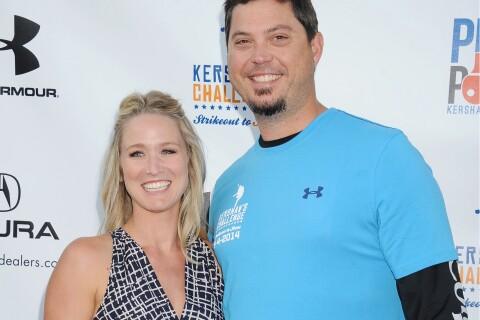 Josh Beckett : Ivre, l'ex-star de MLB se jette sur un musicien en plein concert
