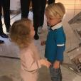 """Le prince Jacques et la princesse Gabriella de Monaco sont allés chez le coiffeur. Leur maman la princesse Charlene a dévoilé le résultat, leur """"première coupe de cheveux"""", sur Instagram le 13 novembre 2017."""