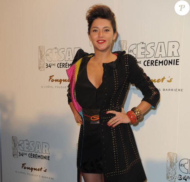 Emma de Caunes, très rock'n roll (tenue de Vuitton) pour les 34èmes César !