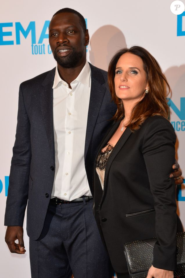 omar sy s 39 indigne et lance un appel sa femme h l ne plus fi re que jamais purepeople. Black Bedroom Furniture Sets. Home Design Ideas