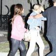 Exclusif - Selena Gomez est allée voir sa petite soeur danser avec son amie Francia Raisa à Los Angeles, le 9 décembre 2017