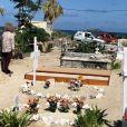 """""""Illustration de la tombe de Johnny Hallyday au cimetière de Lorient sur l'Ile Saint-Barthélemy le 11 décembre 2017."""""""