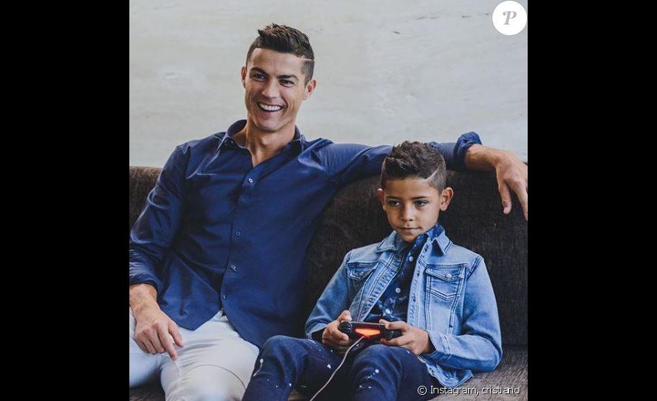 Cristiano Ronaldo, campagne publicitaire avec son fils Cristiano Jr. Instagram le 10 décembre 2017.