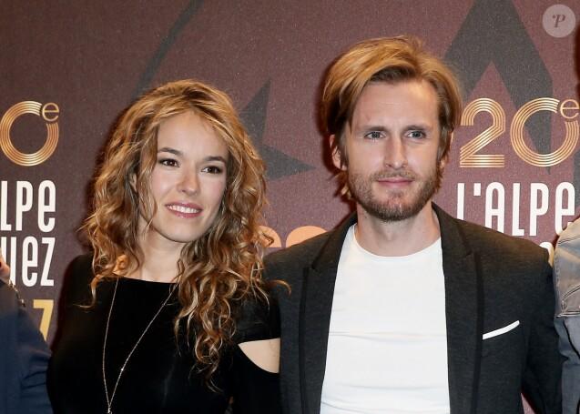 """Elodie Fontan, son compagnon Philippe Lacheau pour le film """"Alibi.com"""" lors du 20e Festival du film de comédie à l'Alpe d'Huez, le 20 janvier 2017. © Dominique Jacovides/Bestimage"""