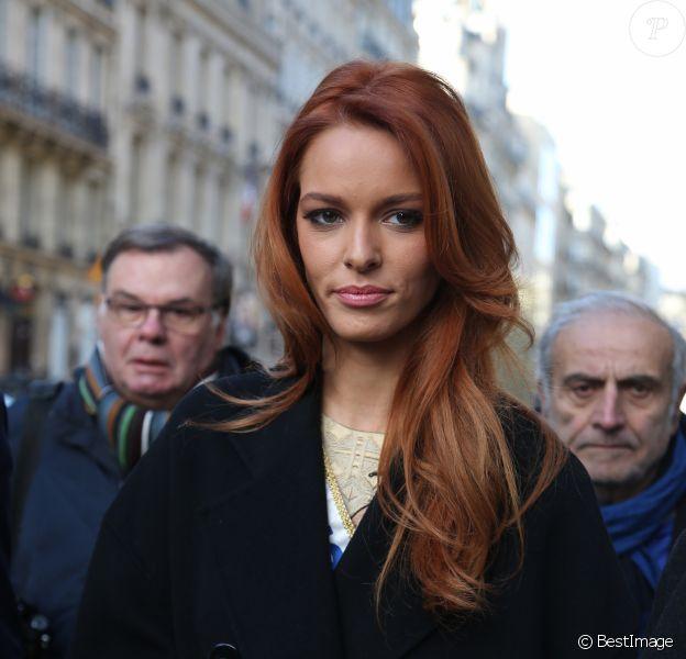 Maëva Coucke (Miss France 2018) avant son déjeuner au restaurant L'Avenue à Paris, le 18 décembre 2017. © Denis Guignebourg/Bestimage