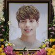Un mémorial pour le chanteur vedette de la K-pop du groupe SHINee Kim Jong-hyun à Séoul, Corée du Sud, le 19 décembre 2017.