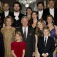 Le roi Philippe, la reine Mathilde, la princesse Elisabeth, le prince Gabriel, le prince Emmanuel, la princesse Eléonore et la princesse Astrid de Belgique, lors du concert de Noël au Royal Palace à Bruxelles, le 20 décembre 2017.20/12/2017 - Bruxelles