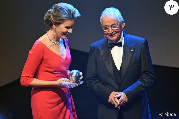 La reine Mathilde de Belgique le 8 décembre 2017 à Düsseldorf le Prix national allemand du développement durable.