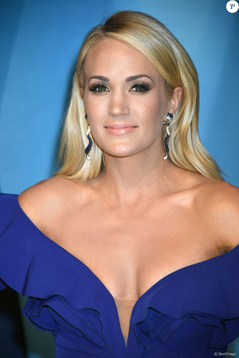 Carrie Underwood lors de la 51ème édition des Country Music Awards (CMA) au Music City Center à Nashville, le 8 novembre 2017.