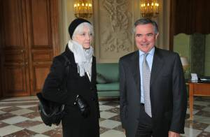 Françoise Hardy : une invitée d'honneur très chic à l'Assemblée Nationale !