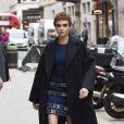 """Cara Delevingne arrive à la librairie Waterstones pour la dédicace de son livre """"Mirror Mirror"""" à Londres. Le 4 octobre 2017  Cara Delevingne arriving at Waterstones book shop, to promote her debut book 'Mirror Mirror'. 4 October 2017.04/10/2017 - Londres"""
