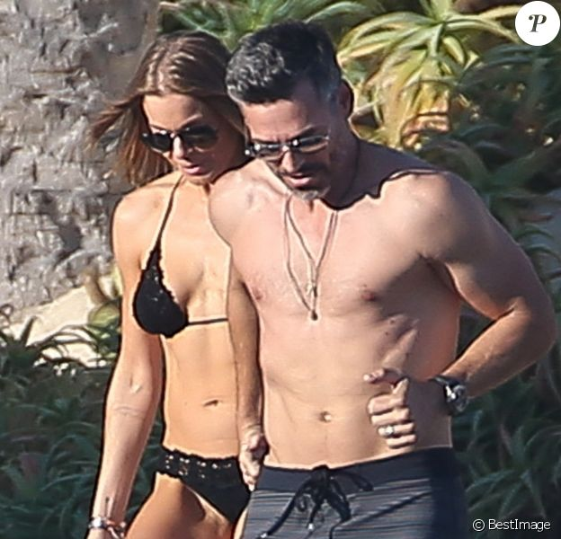 Exclusif - LeAnn Rimes et son mari Eddie Cibrian en vacances à Cabo San Lucas, Mexique, le 10 janvier 2018.