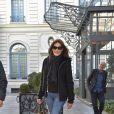 Carla Bruni se promène à Madrid le lendemain de son concert au Teatro Nuevo Apolo le 11 janvier 2018.
