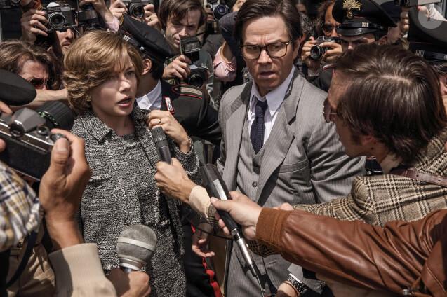 Mark Wahlberg et Michelle Williams dans Tout l'argent du monde.