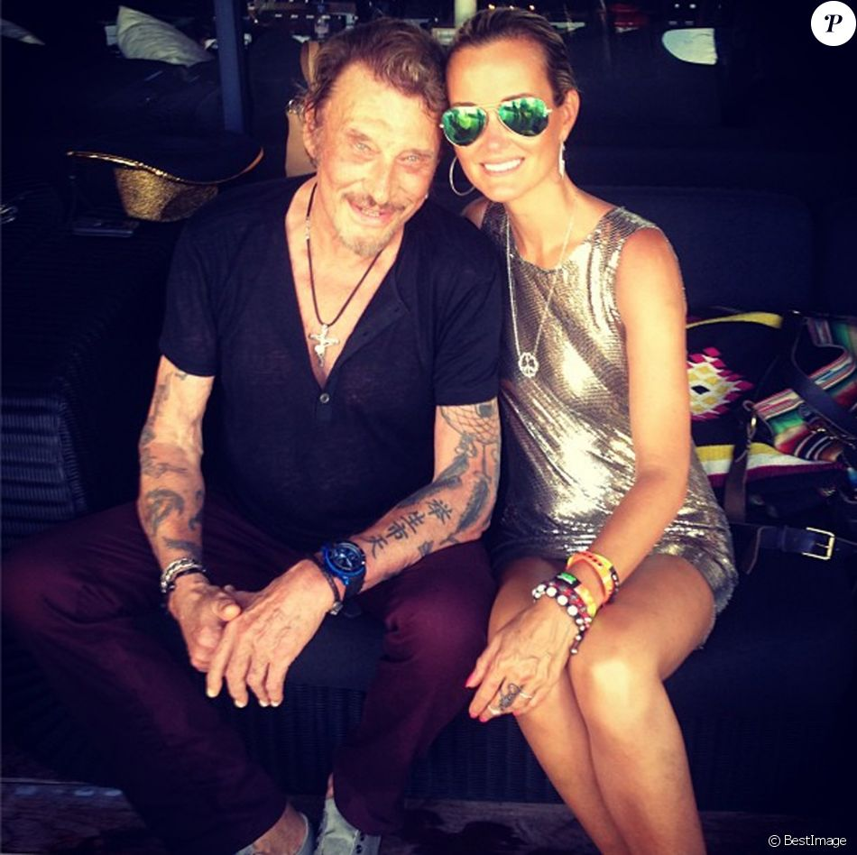 laeticia et johnny hallyday ont fete l 39 anniversaire de leurs filles jade et joy 9 et 5 ans. Black Bedroom Furniture Sets. Home Design Ideas