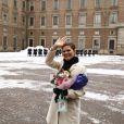 Victoria de Suède : ce jeudi 12 mars, c'était sa fête. Et pendant qu'elle célébrait cela avec la foule, son futur époux Daniel Westling semblait très complice avec... belle-maman, la reine Silvia !