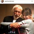 """Le 18 janvier 2018, Sophie Marceau a publié une photo prise au côté de Pierre Richard (son partenaire du film """"Mme Mills""""), marquant son grand retour sur les réseaux sociaux après plusieurs mois d'absence. Son ex-compagnon, le chef cuisinier Cyril Lignac, fait partie des nombreuses personnes à avoir """"liké"""" sa photo."""