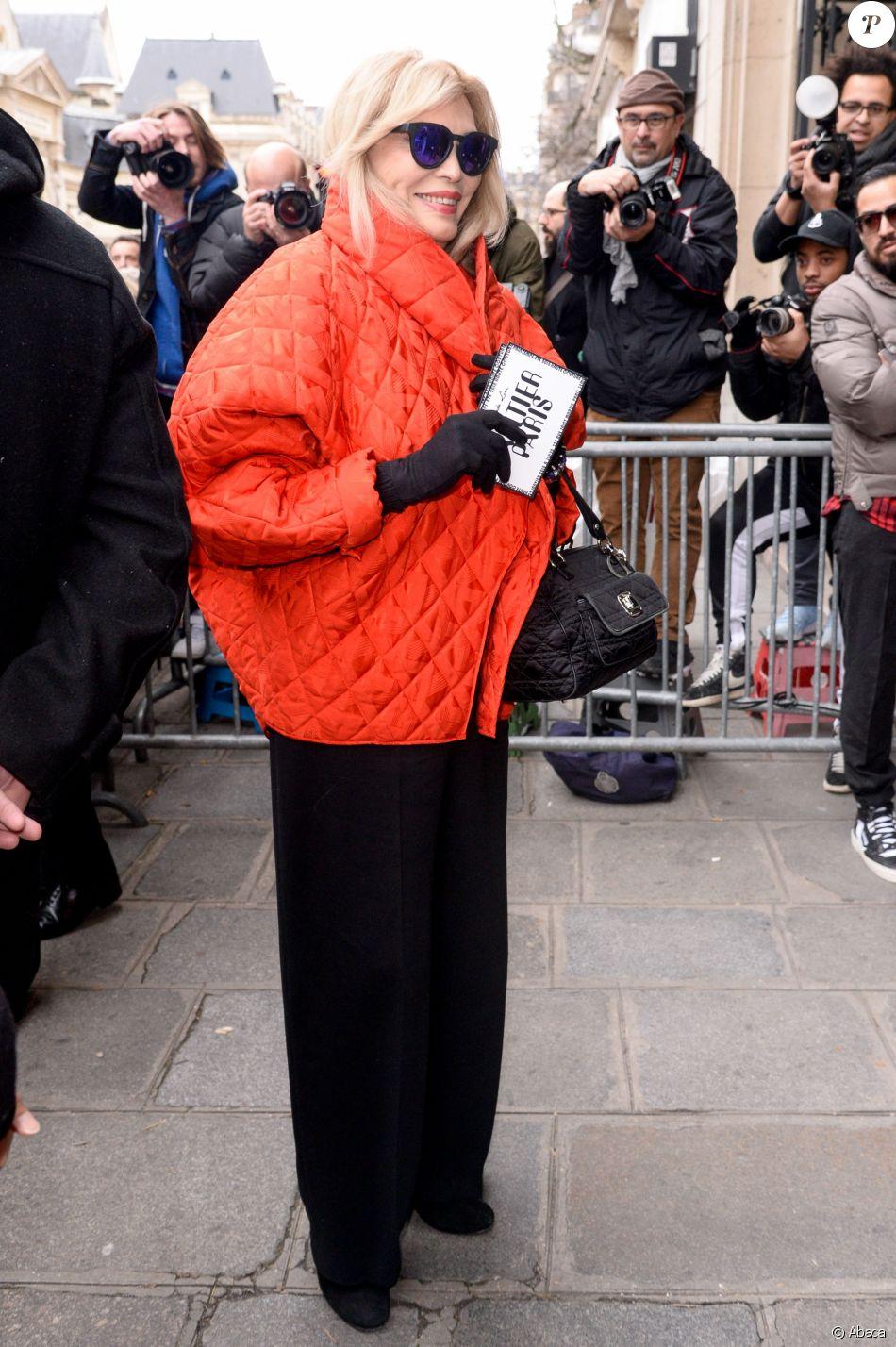 Amanda Lear au défilé de mode Jean Paul Gaultier