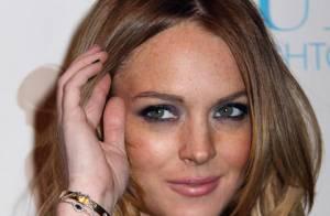 URGENT : Lindsay Lohan , assaillie par la police... barricadée chez sa chérie !