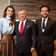 La reine Rania de Jordanie avec son mari le roi Abdullah II et leur fils aîné le prince héritier Hussein en janvier 2018 au Forum économique à Davos, photo Instagram
